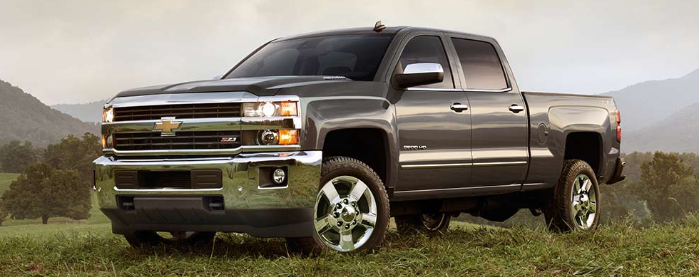 chevy silverado vs toyota tundra which truck should i buy. Black Bedroom Furniture Sets. Home Design Ideas