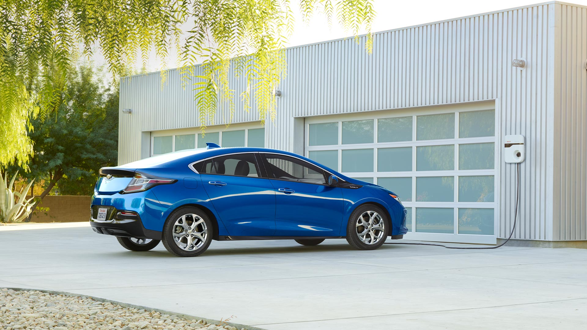 Valley Chevy Chevrolet 2017 Volt Blue Right Side Parked