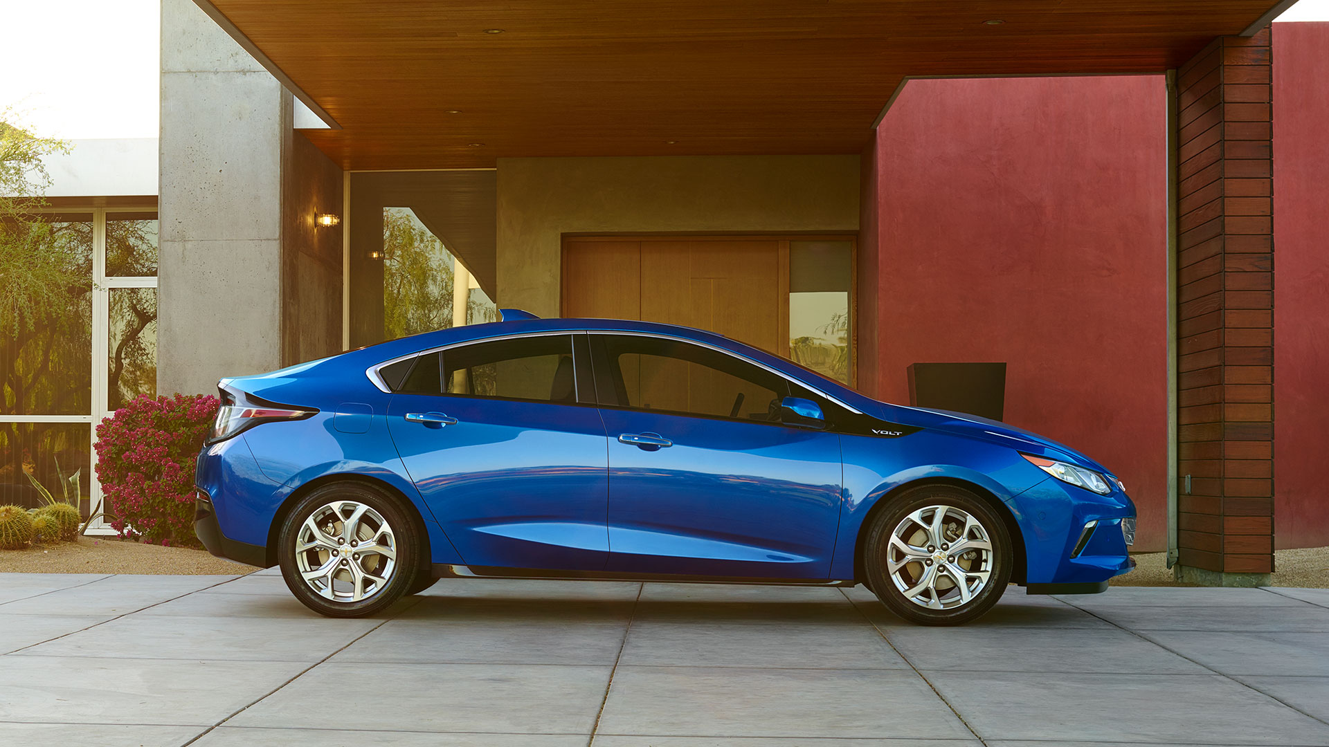 Valley Chevy - Chevrolet 2017 Volt: Blue Hybrid Car