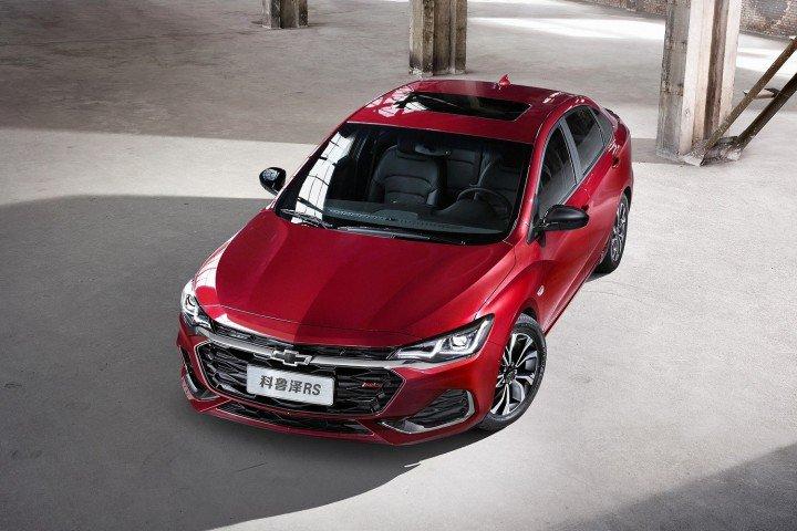 2019-Chevrolet-Monza-RS-exterior2