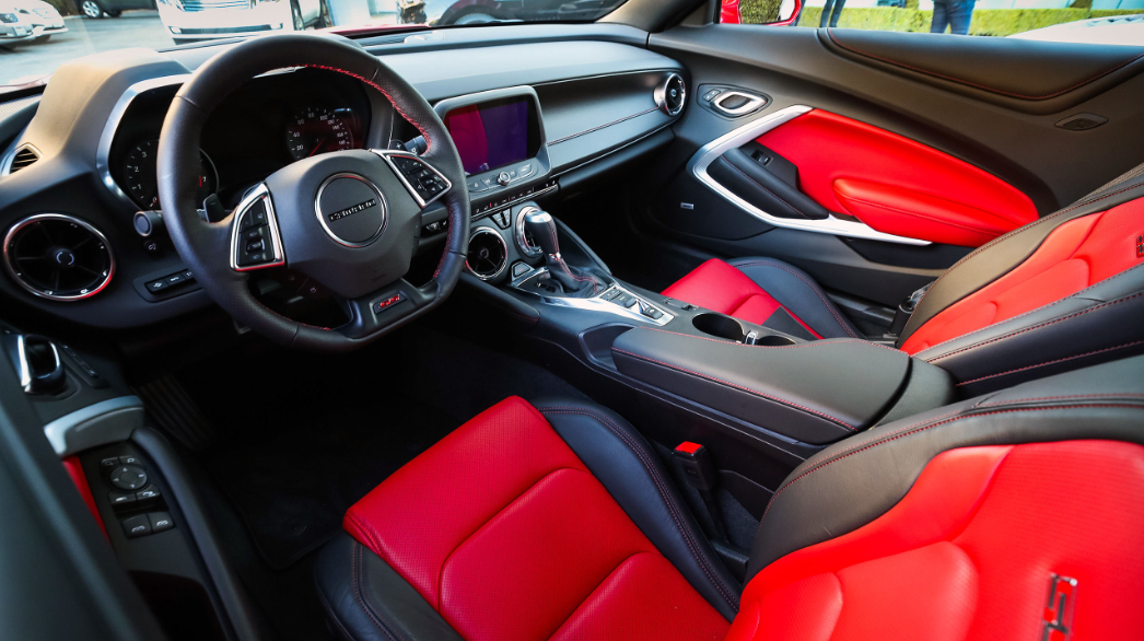 2019 Chevrolet Camaro: Interior Features | Valley Chevy