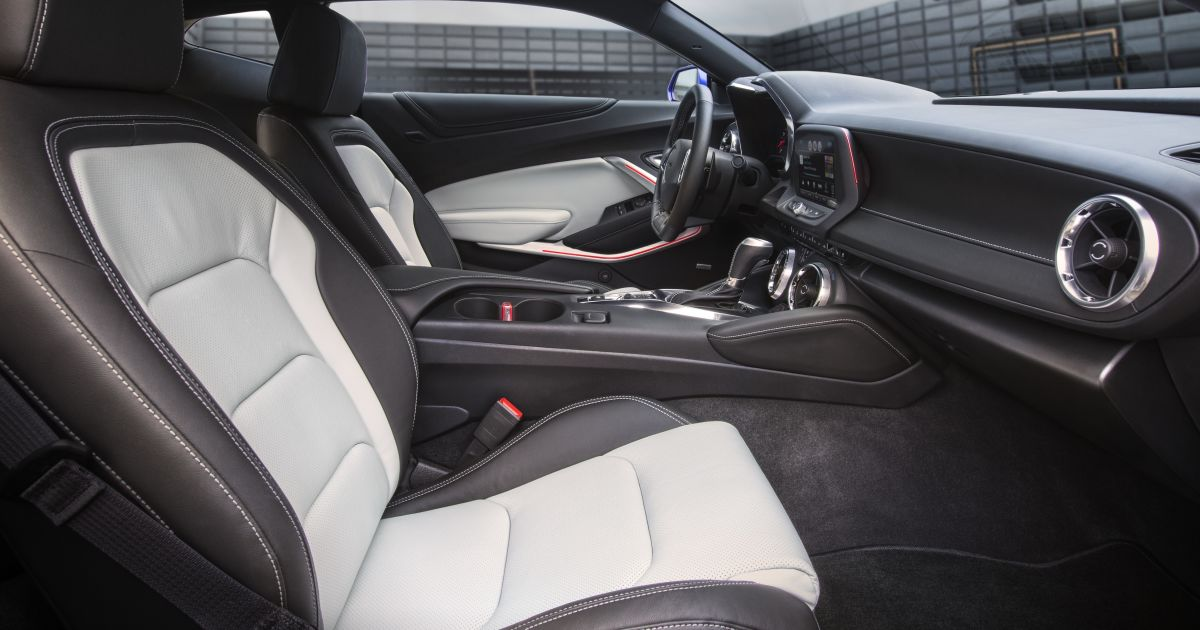 2017 Chevrolet Camaro Interior Features