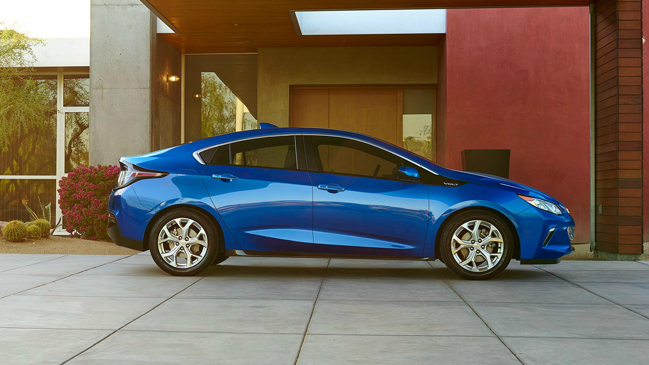 Valley Chevy - 2017 Volt vs Nissan Leaf Exterior Comparison