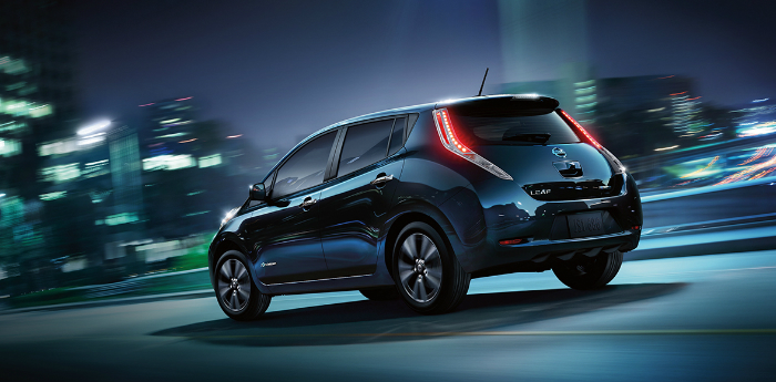 Valley Chevy - 2017 Nissan Leaf Driving at Night