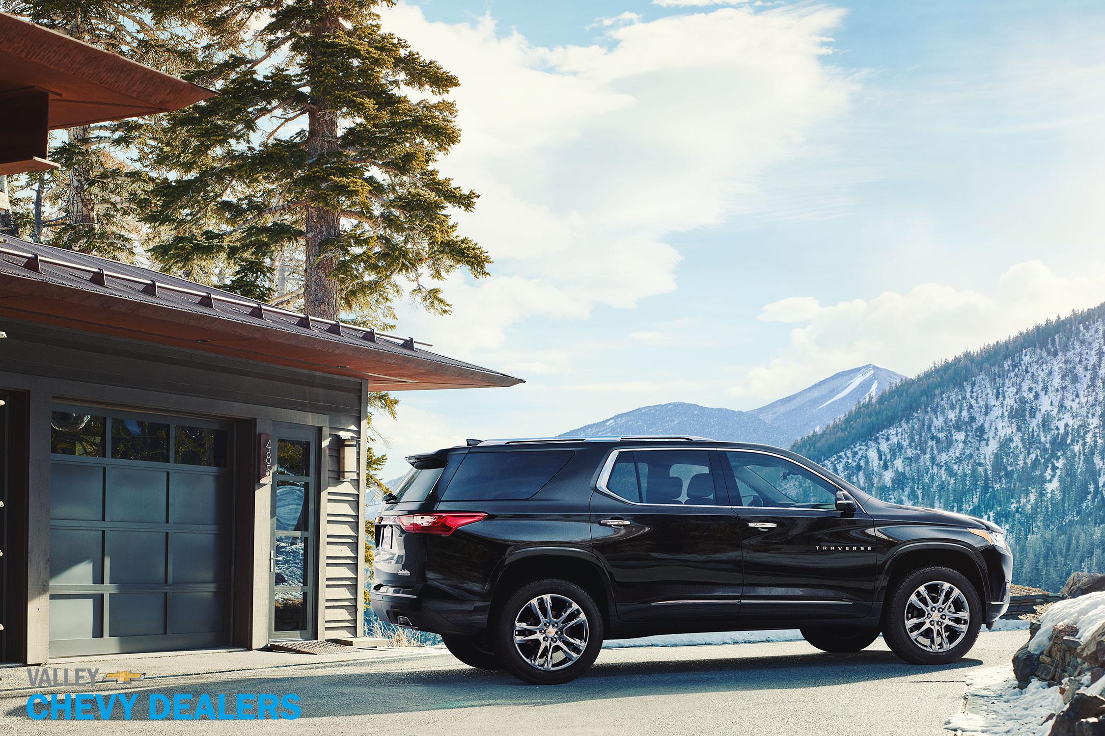 Valley Chevy - 2017 Chevrolet Traverse: Black SUV Exterior