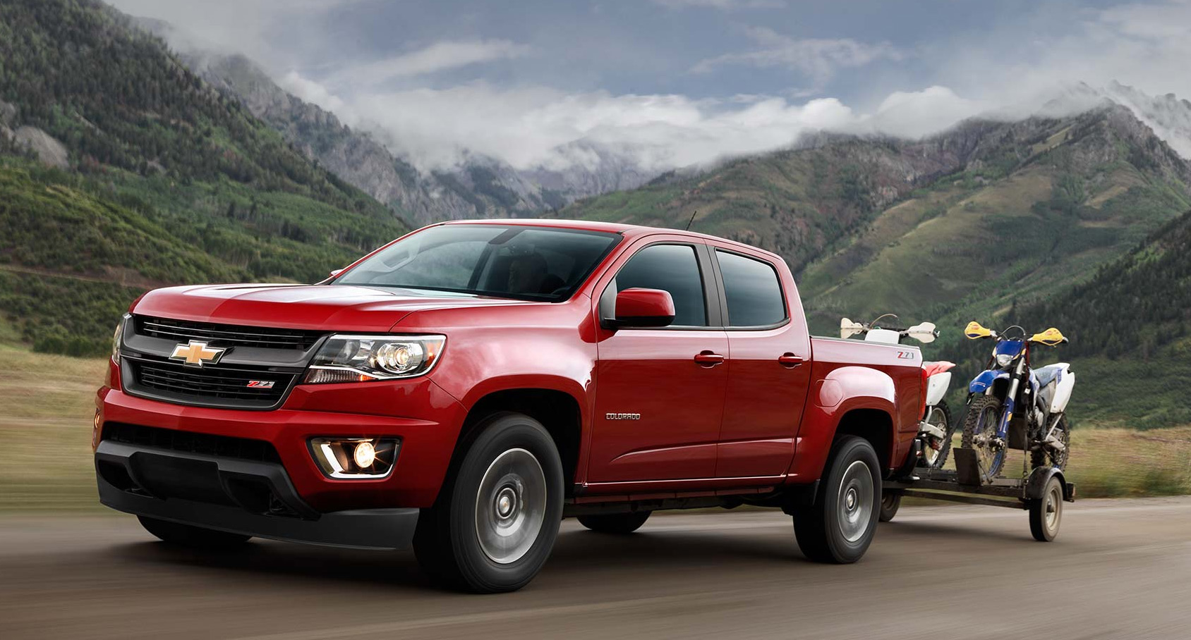 Valley Chevy - Man Buying New Chevrolet Vehicle: Colorado Towing