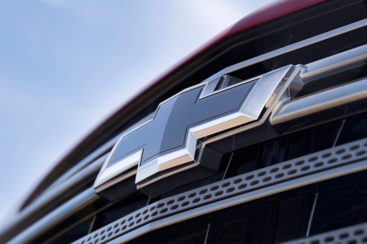 Valley Chevy - 2018 Chevrolet Traverse RS Turbo Grille Emblem