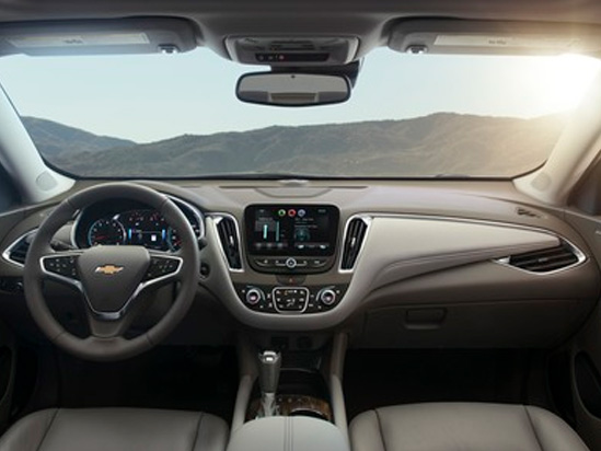 Valley Chevy in Phoenix: 2017 Chevrolet Malibu vs Impala - Which One Should I Buy? - Malibu Front Seating