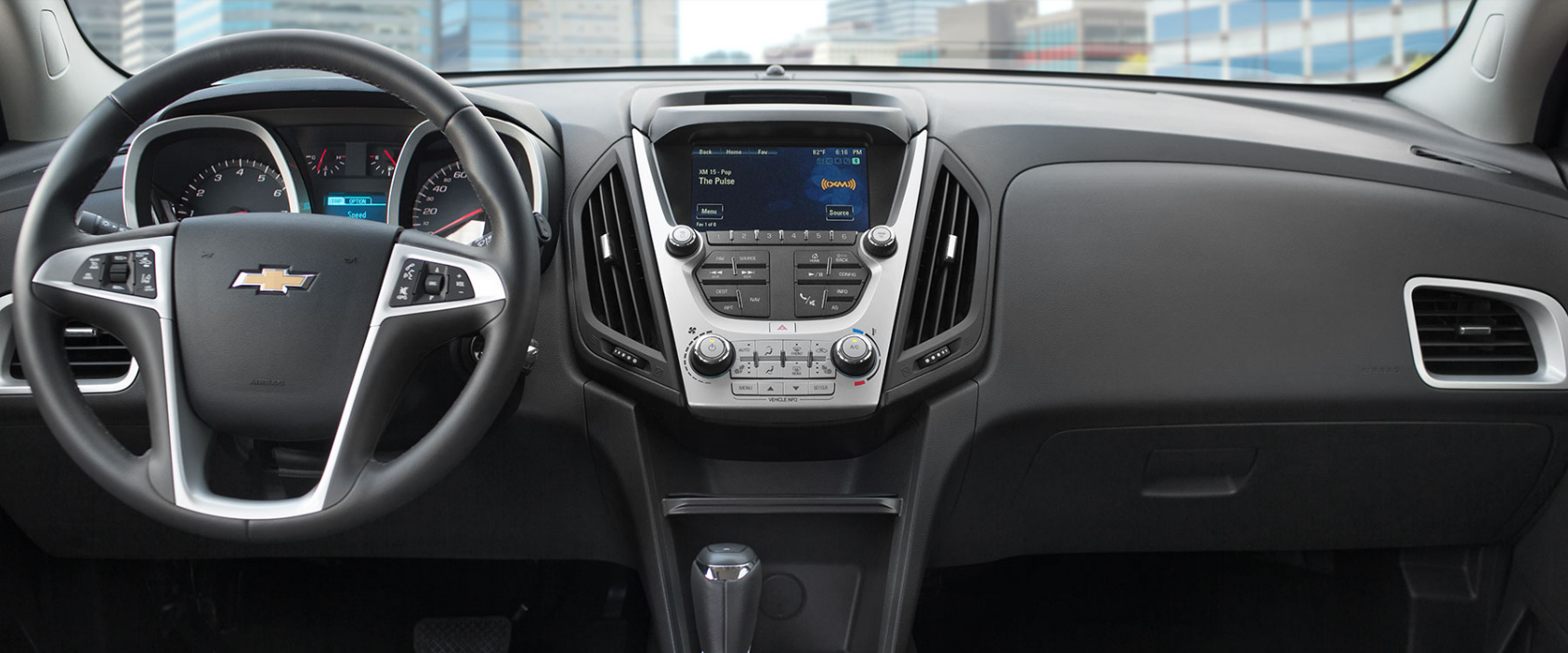 Valley Chevy - Top-Rated SUVs to Buy: Chevrolet Equinox - Entertainment Console
