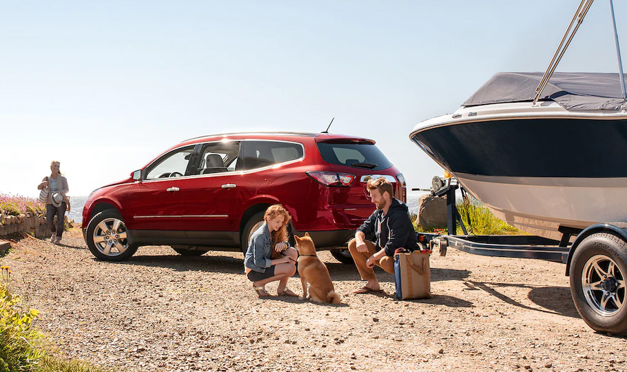 Valley Phoenix Chevy - 6 Best Road Trip Cars to Buy: 2017 Traverse